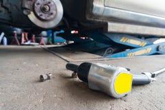 Vecchia chiave pneumatica del dispositivo di presa di forza di pressione d'aria Fotografia Stock Libera da Diritti