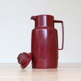 Vecchia chiavetta del caffè (termo bottiglia) fotografie stock