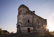 Vecchia chiesa alla luce di sera Fotografia Stock Libera da Diritti