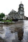 Vecchia chiesa barrocco e la sua riflessione Fotografia Stock Libera da Diritti