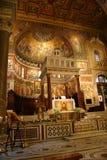 Vecchia chiesa cattolica operata a Roma Immagine Stock