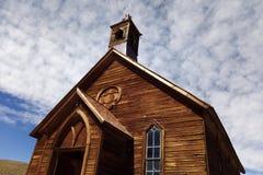 Vecchia chiesa in città fantasma Bodie, California fotografia stock libera da diritti