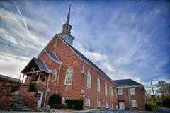 Vecchia chiesa con cielo blu Fotografia Stock Libera da Diritti