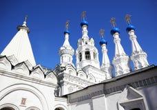 Vecchia chiesa con le cupole blu Immagini Stock Libere da Diritti