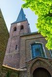 Vecchia chiesa del mattone in Bedburg alt-Kaster, Germania Fotografia Stock