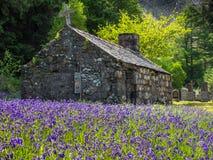 Vecchia chiesa dell'altopiano a Ballachulish Fotografia Stock