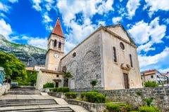 Vecchia chiesa in Makarska, Croazia Immagini Stock