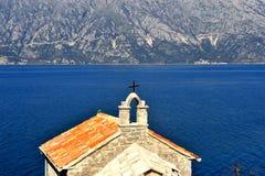 Vecchia chiesa nella baia di Cattaro Fotografie Stock