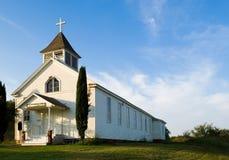 Vecchia chiesa pionieristica americana del paese Immagini Stock Libere da Diritti