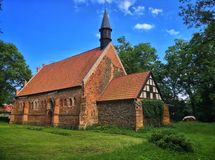 Vecchia chiesa in Polonia fotografie stock