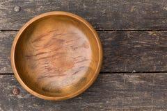 Vecchia ciotola di legno Immagini Stock
