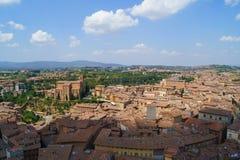 Vecchia città con i tetti coperti di tegoli Fotografie Stock