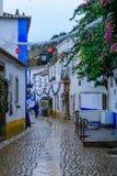 Vecchia città, con le decorazioni di Natale, Obidos Immagine Stock Libera da Diritti