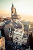 Vecchia città di Bergamo Alta al tramonto - S Maria Maggiore Piazza Vecchi Fotografia Stock Libera da Diritti