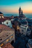 Vecchia città di Bergamo Alta al tramonto - S Maria Maggiore Piazza Vecchi Fotografia Stock