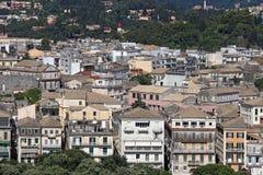 Vecchia città di Corfù di paesaggio urbano delle costruzioni Immagini Stock Libere da Diritti