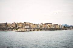 Vecchia città di Corfù sulla costa dell'isola di Corfù nel Se ionico fotografia stock