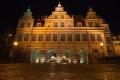 Vecchia città di Danzica alla notte, Polonia Fotografia Stock