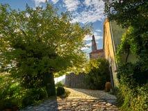 Vecchia città di Gornja Lastva vicino a Teodo, Montenegro fotografie stock