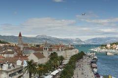 Vecchia città medievale Traù, Croazia dell'Unesco fotografia stock