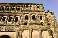 Vecchia città Mosella di Treviri del Nigra di Porta della costruzione romana Immagini Stock Libere da Diritti