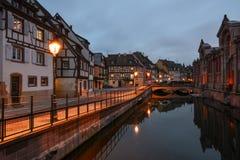 Vecchia città nel tempo crepuscolare Fotografie Stock