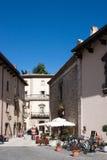 Vecchia città nella regione delle montagne dell'Abruzzo Fotografia Stock Libera da Diritti