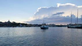 Vecchia città, Stoccolma di estate Cielo nuvoloso stock footage