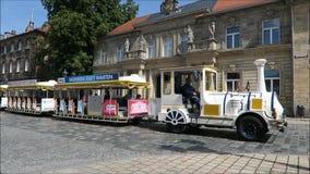 Vecchia città storica di Bayreuth - treno della città archivi video