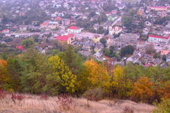 Vecchia città in vista la vista aerea dalla montagna di Bona Kremenets, regione di Ternopil, Ucraina Fotografia Stock Libera da Diritti
