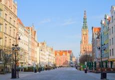 Vecchia città di Danzica con il comune Immagini Stock