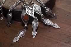 Vecchia collana d'argento Fotografia Stock Libera da Diritti