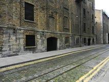 Vecchia costruzione arrugginita della fabbrica Fotografie Stock Libere da Diritti