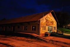 Vecchia costruzione della stazione ferroviaria Fotografia Stock Libera da Diritti