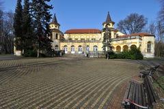 Vecchia costruzione della stazione termale in Banja Koviljaca, Serbia Fotografie Stock Libere da Diritti