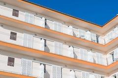 Vecchia costruzione di appartamenti Fotografia Stock Libera da Diritti