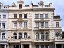 Vecchia costruzione di appartamento Fotografie Stock