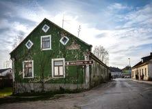 Vecchia costruzione di colore verde immagine stock libera da diritti