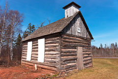 Vecchia costruzione di legno da vendere Immagine Stock