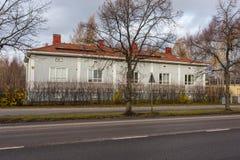 Vecchia costruzione di legno nella città di Turku Fotografie Stock Libere da Diritti