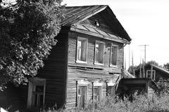 Vecchia costruzione di legno nella città di Kirillov Immagine Stock Libera da Diritti