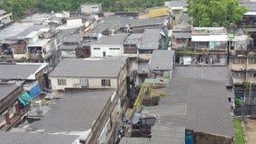 Vecchia costruzione osservata dall'angolo alto Fotografia Stock