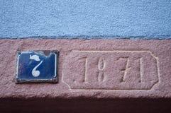 Vecchia data sulla casa medievale nell'alsaziano tipico vi Fotografie Stock Libere da Diritti