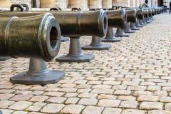 Vecchia decorazione dei cannoni della ghisa, Invalides Fotografia Stock