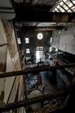 Vecchia distilleria abbandonata del corvo - Kentucky immagine stock