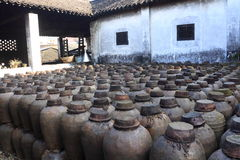 Vecchia distilleria ad un cortile in Cina fotografia stock libera da diritti