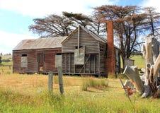 Vecchia e fattoria australiana dilapidata del paese Fotografia Stock Libera da Diritti