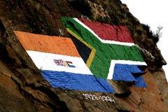 Vecchia e nuova bandierina sudafricana Fotografia Stock Libera da Diritti