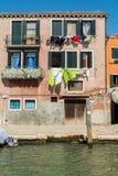 Vecchia entrata della casa di Venezia Immagine Stock Libera da Diritti