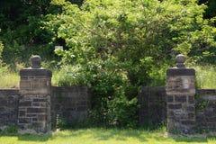 Vecchia entrata di pietra immagini stock libere da diritti
